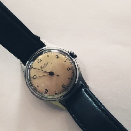Image of a vintage wristwatch illustrating the Fairisle article Do more-plan less